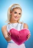 Menina com um coração macio Fotografia de Stock Royalty Free