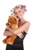 A menina com um urso de peluche Imagens de Stock Royalty Free