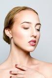 A menina com uma composição natural imagem de stock royalty free