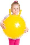 Menina com uma esfera Fotografia de Stock Royalty Free