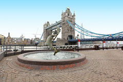 Ponte da torre da fonte foto de stock