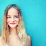 Menina consideravelmente adolescente Imagens de Stock