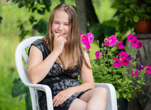 Menina consideravelmente adolescente Fotos de Stock Royalty Free