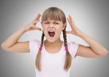 Menina contra gritar cinzento do fundo frustrado e irritado ilustração stock