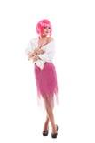 A menina cor-de-rosa do cabelo vestida como Merelyn Monroe isolou-se Imagens de Stock Royalty Free