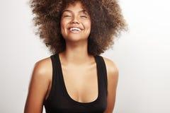 Menina da beleza com um cabelo afro imagens de stock royalty free