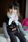 Menina da beleza no lenço branco Fotografia de Stock