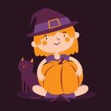 Menina da bruxa que guarda uma abóbora ao lado de seu gato Ilustração Royalty Free