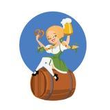 Menina da cerveja no dirndl no barril com pinup do pretzel Fotos de Stock Royalty Free