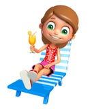 Menina da criança com cadeira de praia & Juice Glass Fotografia de Stock Royalty Free