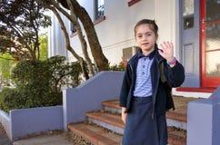 Menina da escola que vai à escola fotos de stock royalty free