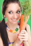 Menina da expressão com cenoura fotografia de stock