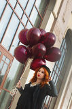 Menina da forma com balões de ar Imagens de Stock