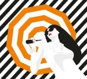 Menina da forma com um guarda-chuva Estilo corajoso, mínimo Pop art OpArt, espaço negativo positivo e cor Tiras na moda Imagens de Stock Royalty Free