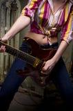 Menina da guitarra da rocha Imagens de Stock Royalty Free