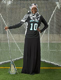 Menina da lacrosse com atitude Fotos de Stock Royalty Free