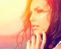 Menina da luz do sol da beleza Imagens de Stock Royalty Free