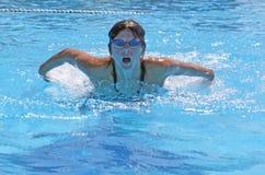 Menina da nadada fotografia de stock royalty free