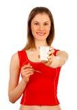 Menina de Attrctive com yogurt. Isolado no branco Imagens de Stock