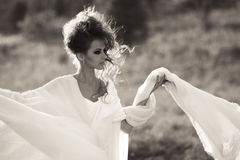 Menina de Bouring em preto e branco Foto de Stock Royalty Free