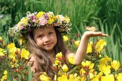Menina de cabelos compridos bonita Imagens de Stock