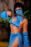 Menina de dança com uma faca Fotografia de Stock