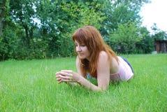 Menina de descanso Fotografia de Stock