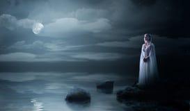 Menina de Elven na costa de mar Fotos de Stock