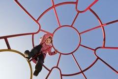 Menina de escalada Fotografia de Stock