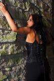 Menina de escalada de Goth Imagem de Stock Royalty Free