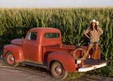 Menina de exploração agrícola Foto de Stock