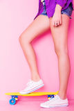 Menina de Extrem com skate Imagem de Stock