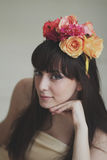 Menina de flor bonita Fotografia de Stock
