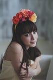 Menina de flor bonita Fotos de Stock Royalty Free