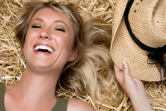 Menina de riso do país imagens de stock royalty free