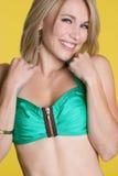 Menina de riso do Swimsuit foto de stock royalty free