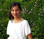 Menina de sorriso com cintas Imagem de Stock Royalty Free