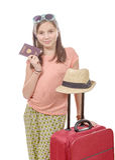 Menina de sorriso com saco do curso, passaporte isolado sobre o branco Imagem de Stock Royalty Free
