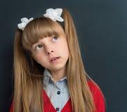 Menina de volta à escola imagem de stock