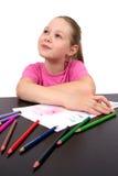 A menina desenha lápis de uma cor do retrato Imagens de Stock Royalty Free