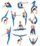 A menina do adolescente que faz os exercícios da ginástica isolados no fundo branco imagens de stock royalty free