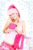 Menina do ajudante de Santa que chama pelo telefone imagens de stock royalty free