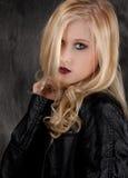 Menina do casaco de cabedal Imagens de Stock Royalty Free