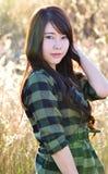 Menina do encanto em meadow01 Fotos de Stock