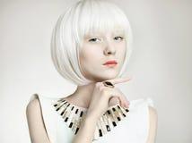 Menina do futuro Mulher de Bob Hairstyle Foto de Stock Royalty Free