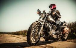 Menina do motociclista fotos de stock royalty free