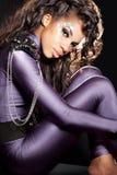 Menina do mulato com cristais Imagem de Stock