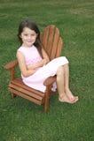 Menina do pé desencapado Imagens de Stock