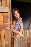 Menina do país que imagina o melhor futuro Fotos de Stock Royalty Free