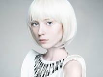 menina do penteado do prumo Forma futura Fotos de Stock Royalty Free